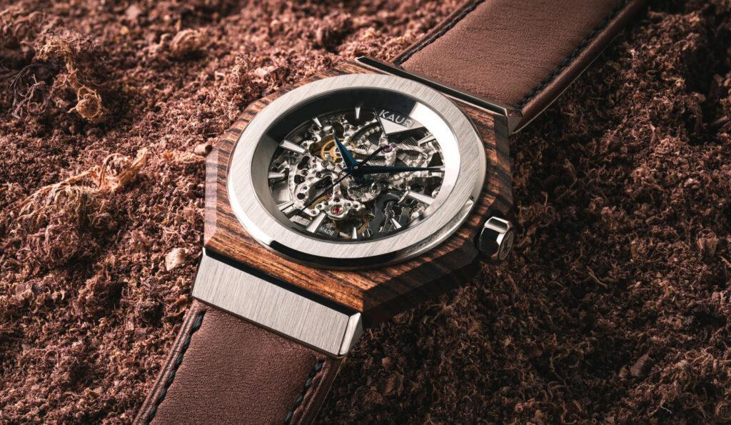 KAURI, ceasuri din lemn nobil si orologie elvetiana