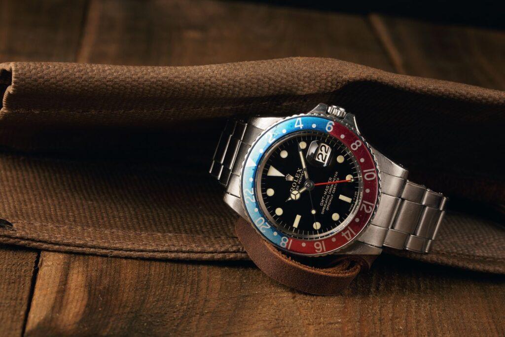 Ce inseamna GMT + cele mai ieftine 10 ceasuri GMT
