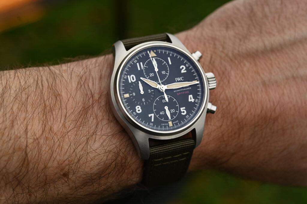 Ceasuri de mana online, recent lansate in Romania