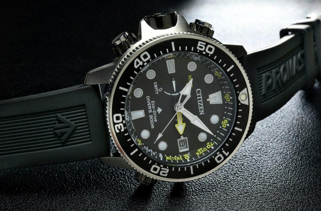 Alege un ceas rezistent la apa - 10 modele superbe